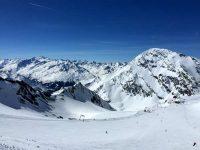 Dresdner Hütte: Schnee, Ski und Eis auf dem Gletscher