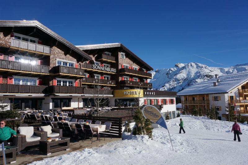 Skiurlaub mit Kindern Familienhotel Sonnenburg Lech