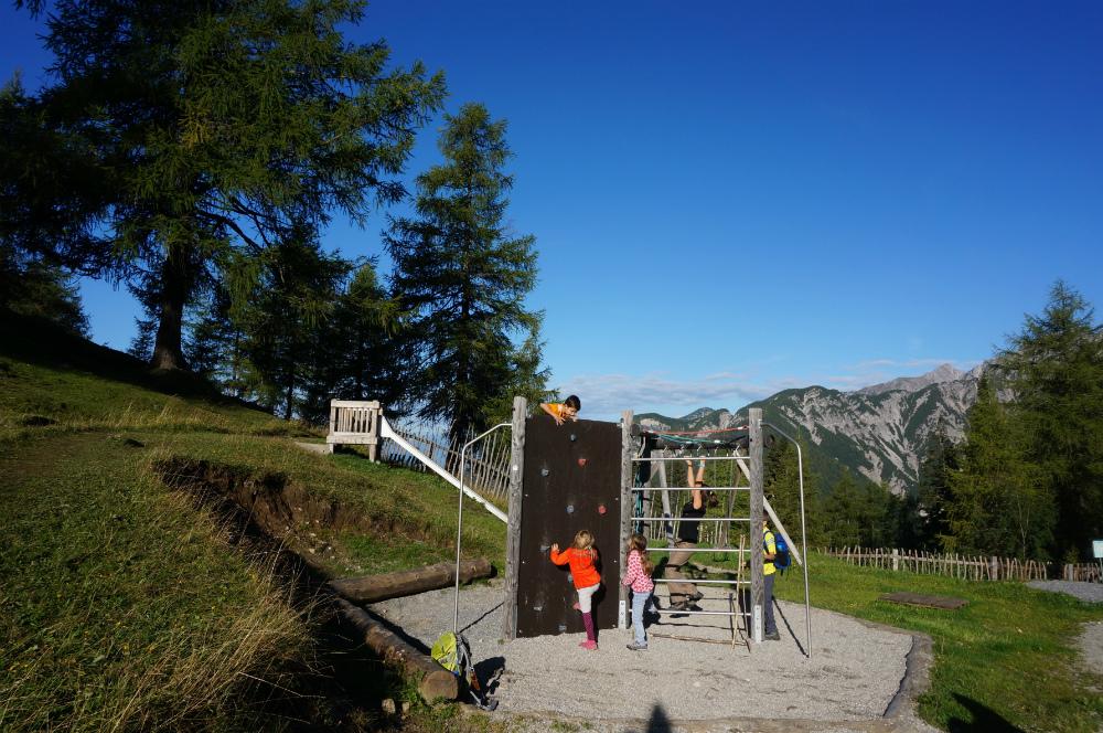Mit Kindern auf Hütten: Spielplatz bei der Neuen Magdeburger Hütte