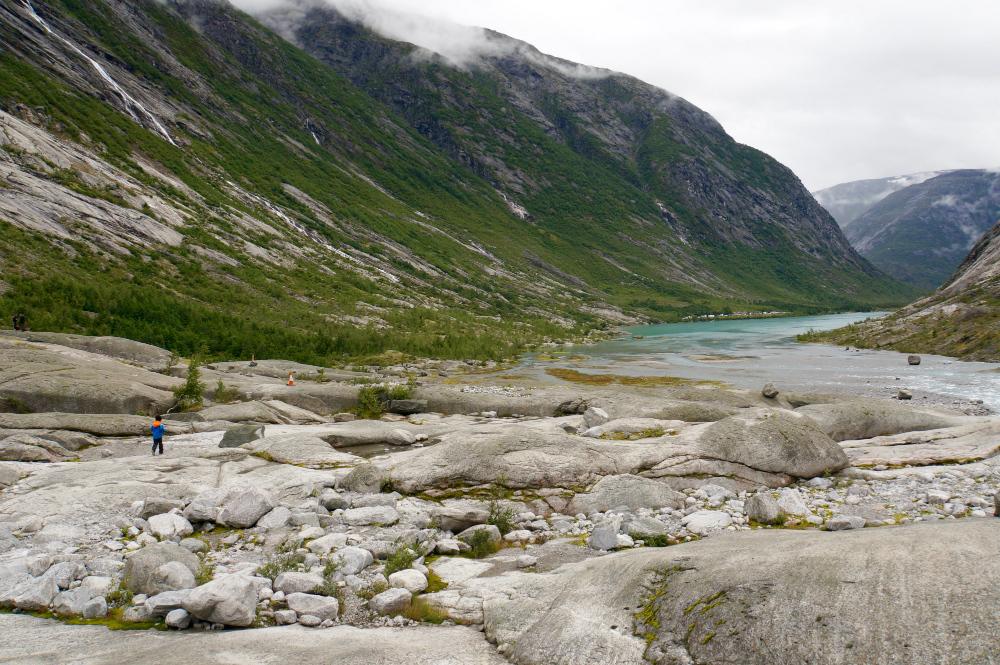 Mit Kindern über Gletscher wandern in Norwegen